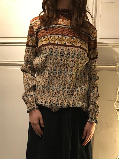 Shirring handle blouse