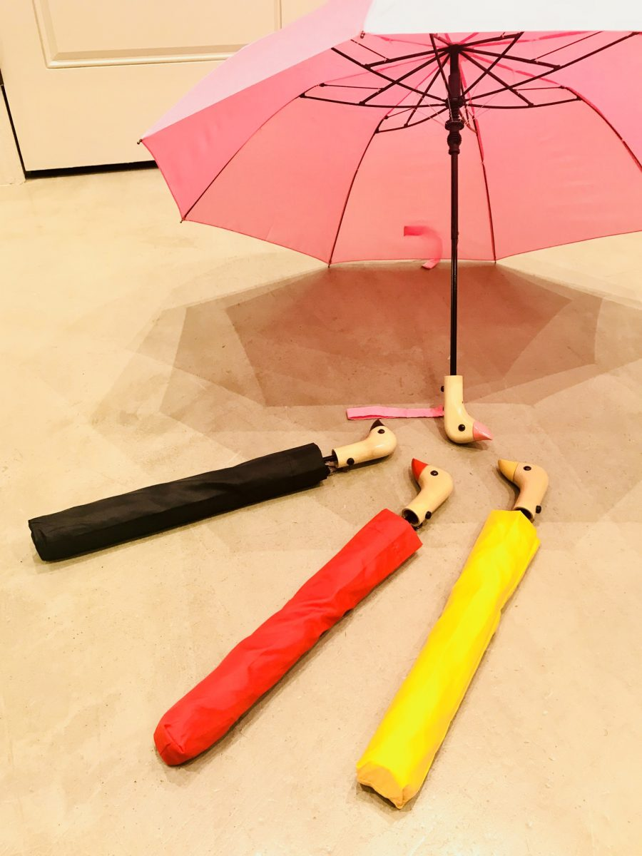 Umbrella with duck handle
