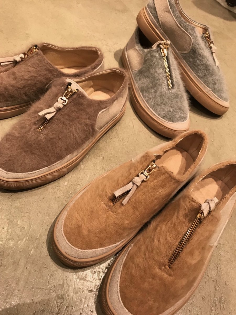 ZIP switching sneaker