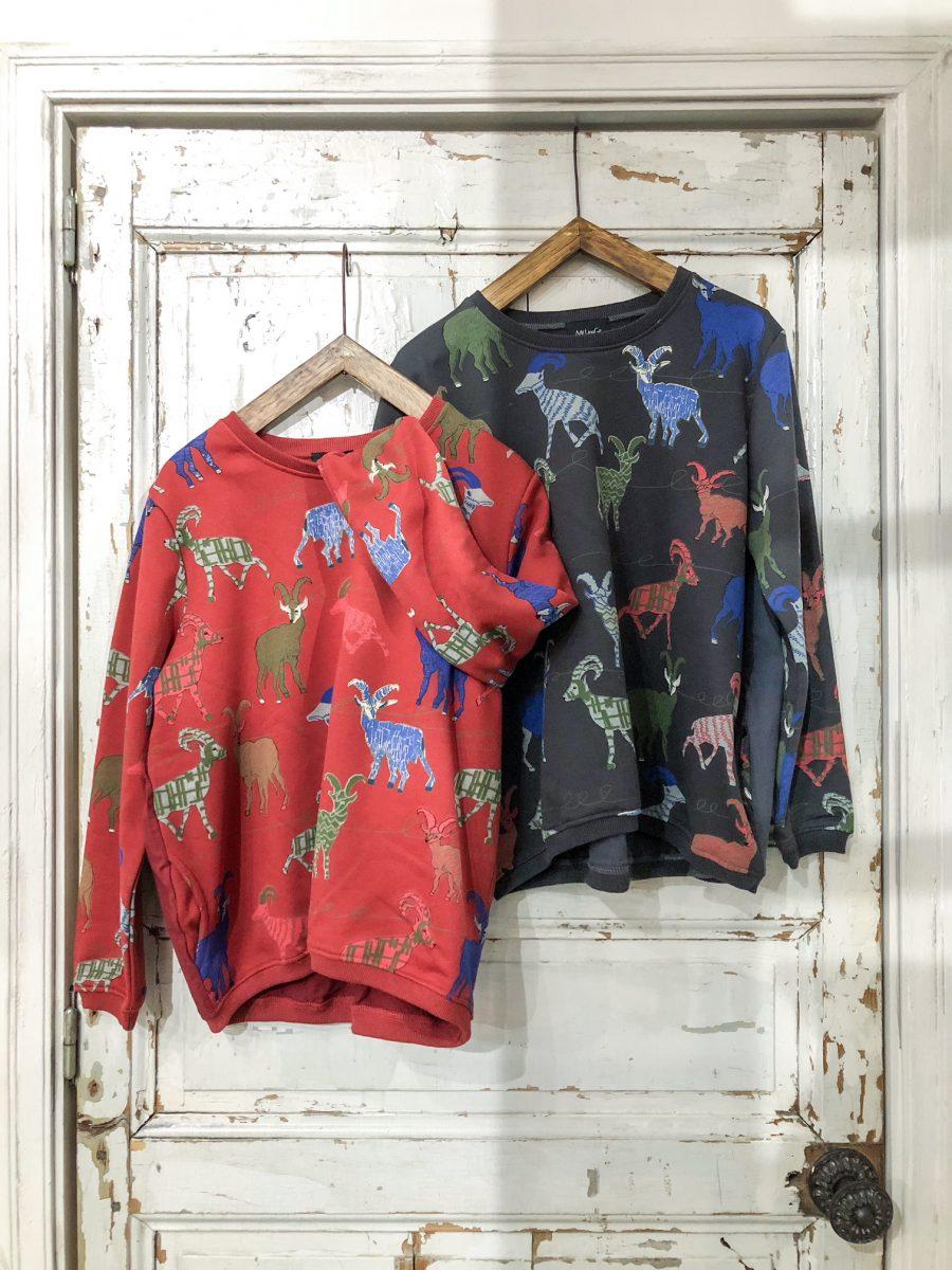Deer pattern sweatshirt