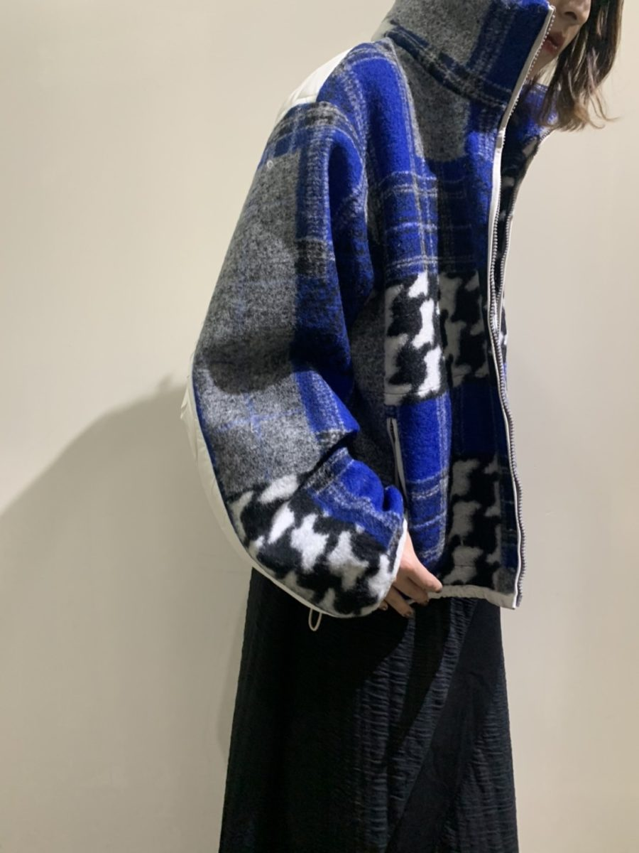 Stand collar switching jumper