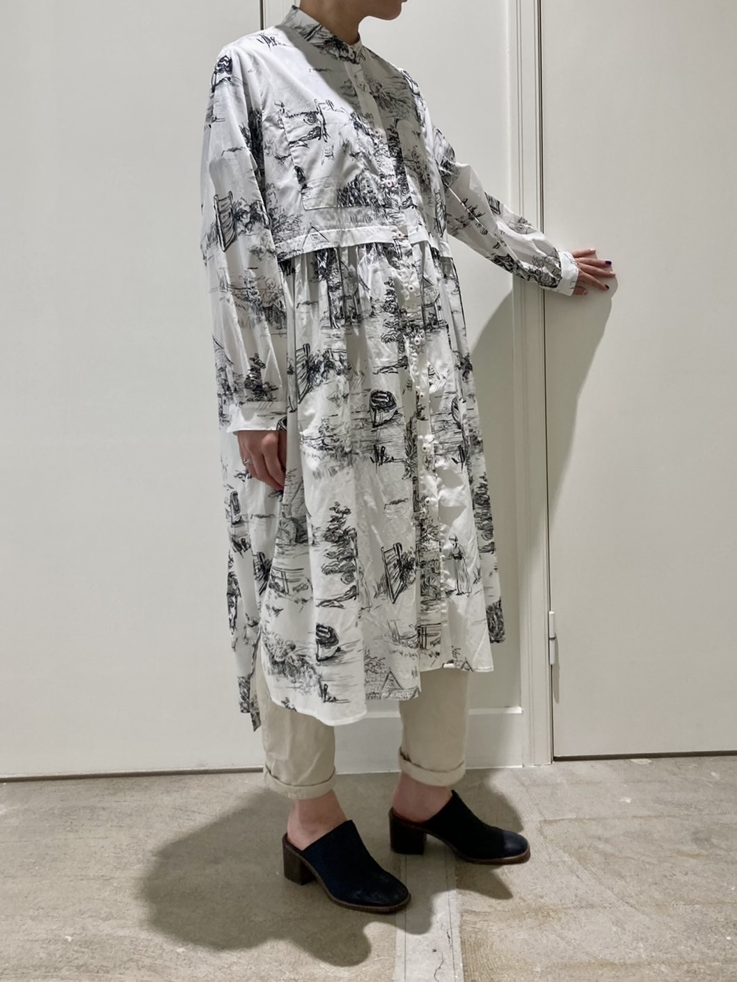 Landscape pattern switching dress